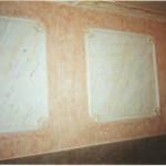 """Fascinante entrada combinando marmolizados en recuadros y cornisa; con """"revestimiento esfumino"""" en pared."""